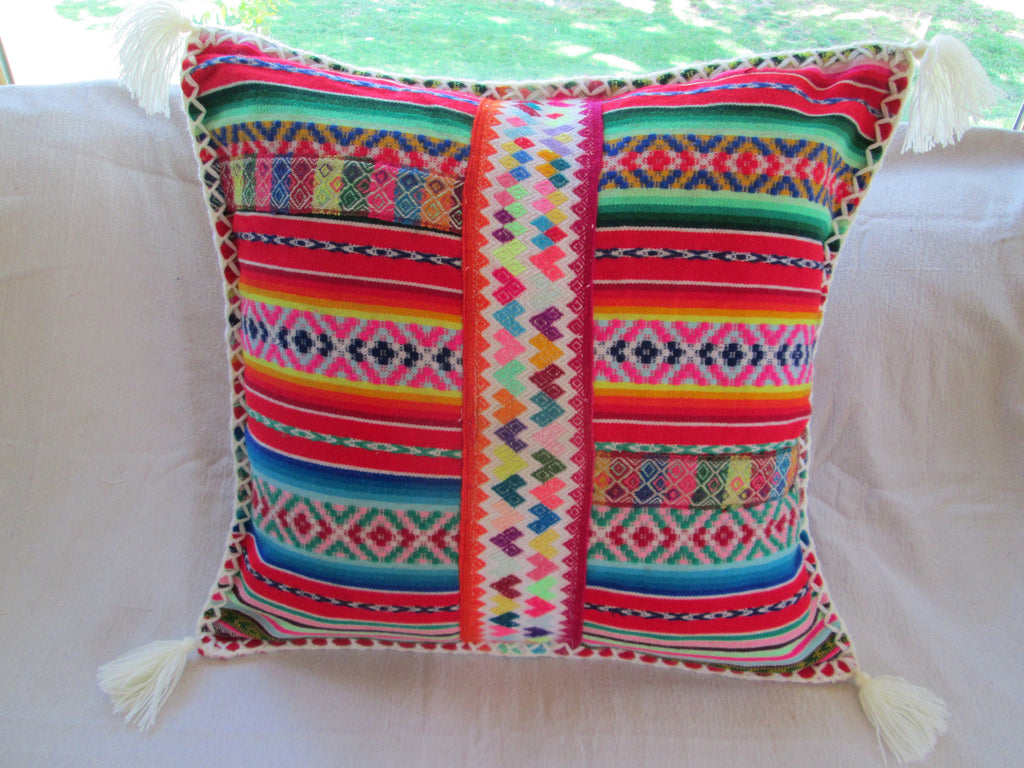 Peruvian Pillow in Blanco