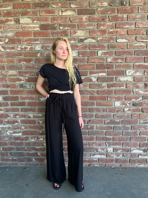 Travel Pant in Black