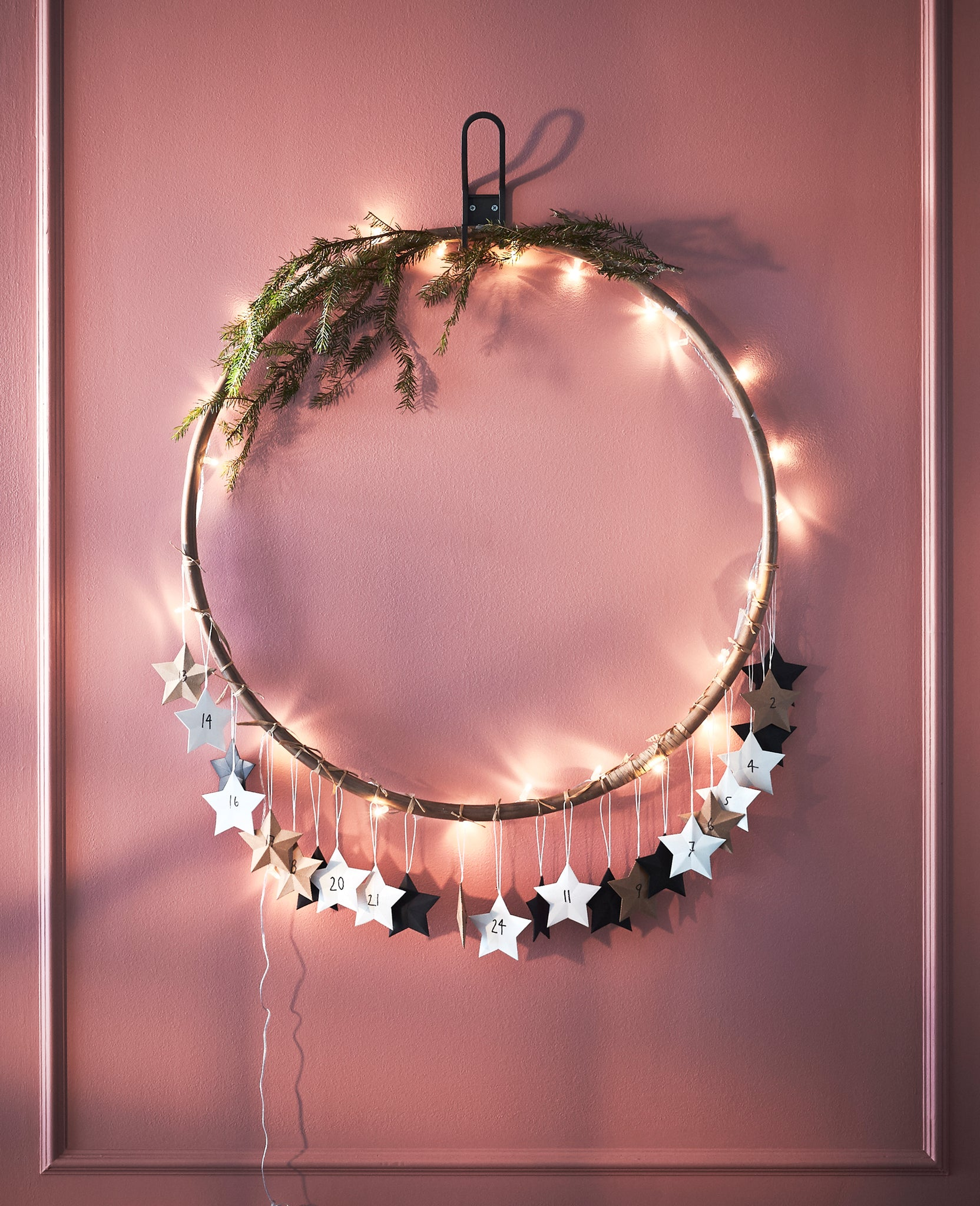 Barn & Willow: The Minimalist Holiday: 5 DIY Decor Tips from AMM