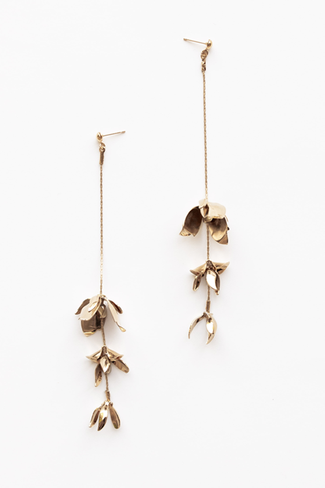 MAGNOLIA STRAND EARRINGS