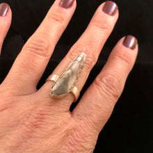 Load image into Gallery viewer, Destash Howlite Peak Ring-size 9
