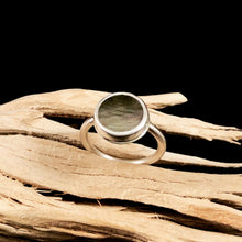 Load image into Gallery viewer, Round Mother of Pearl Rings