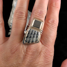 Load image into Gallery viewer, Unique Hematite + Shell Ring Size 8.5