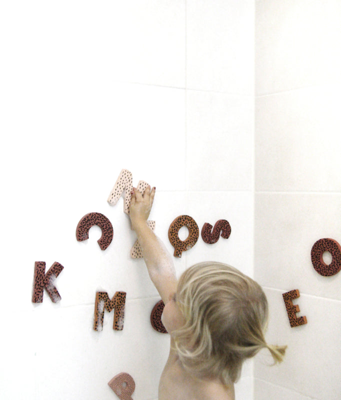 Foam letters - fun in the bathtub! pink