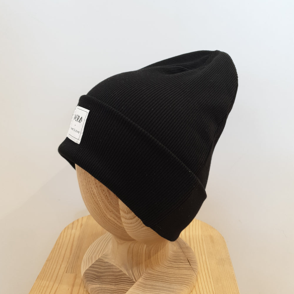 Winter beanie Black