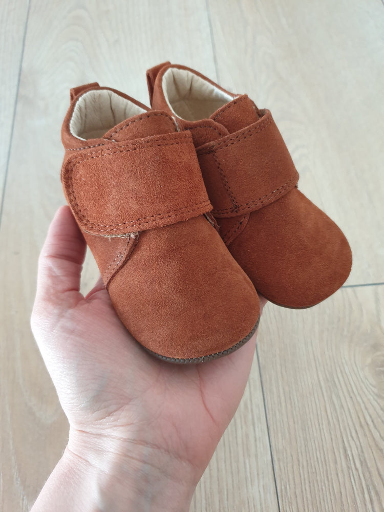 Pom Pom leather slippers - suede camel