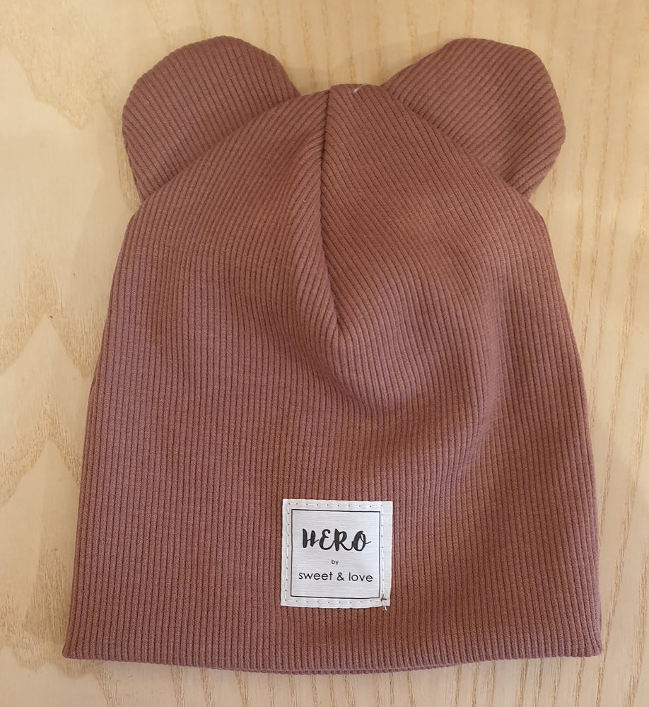 Winter bear beanie Crimson