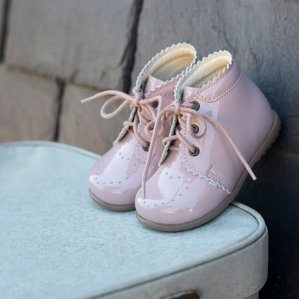 (1152-9) Emel first shoes