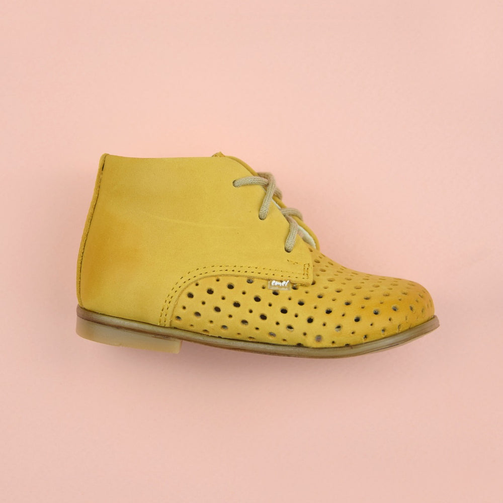 (1426-1) Emel perforated classic first shoes yellow
