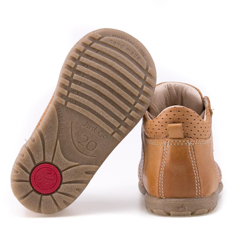 (2429-20) Emel first shoes