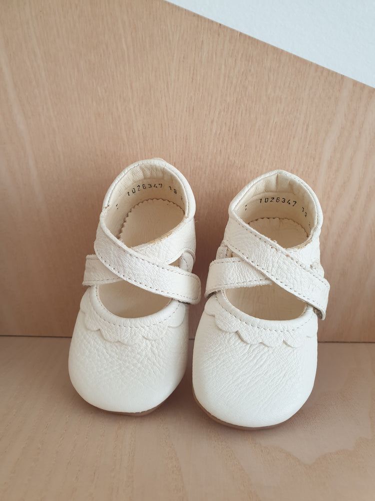 Froddo pre-walkers/slippers - cream white