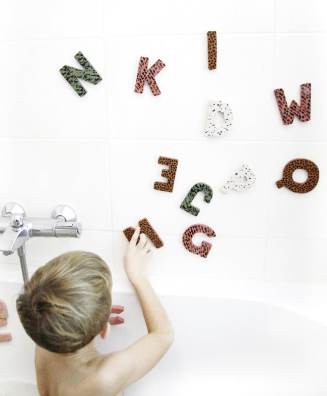 Foam letters - fun in the bathtub! green