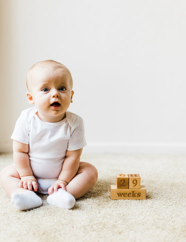 baby-milestone-blocks-smiling-tree-toys-wooden-photography-blocks