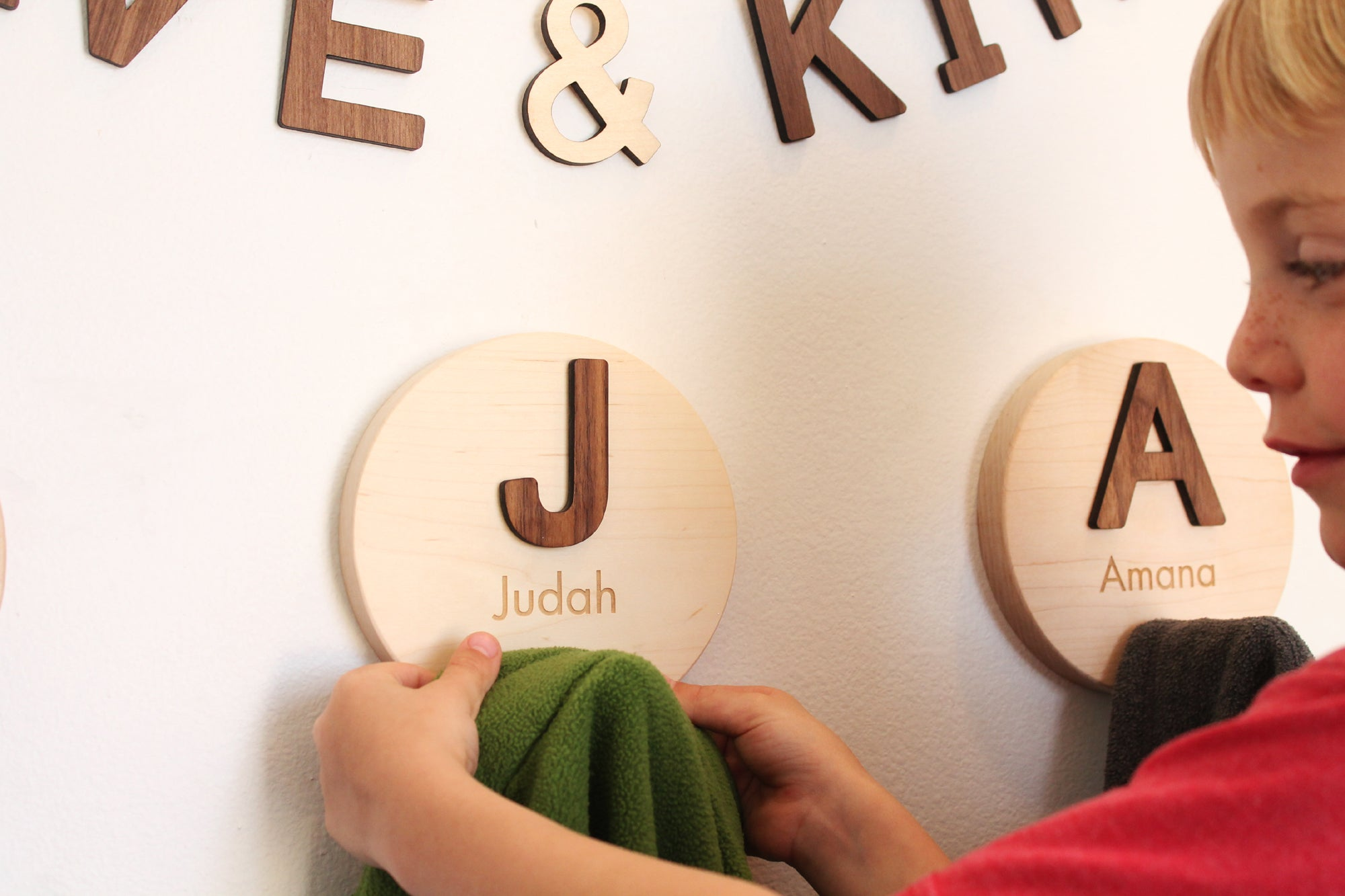 childrens wooden coat hooks for wall