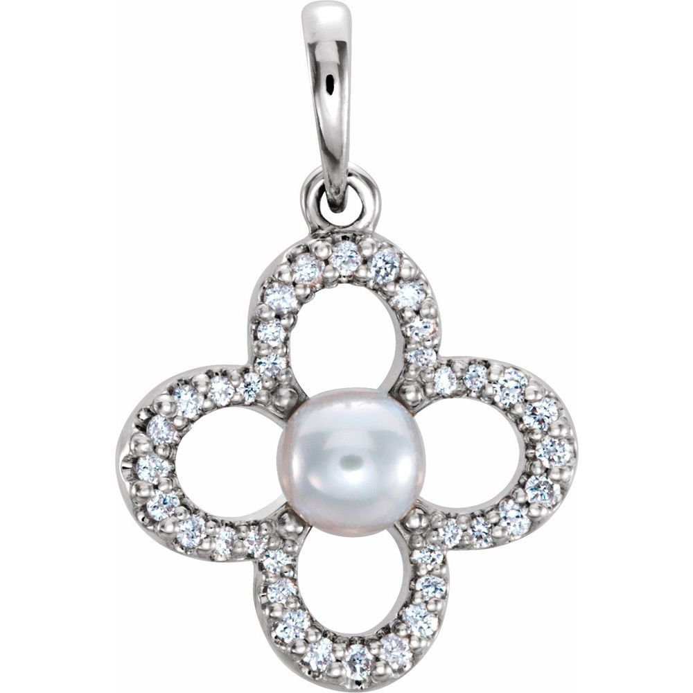 Freshwater Pearl And 1/6 Ctw Diamond Clover Pendant (12260133)