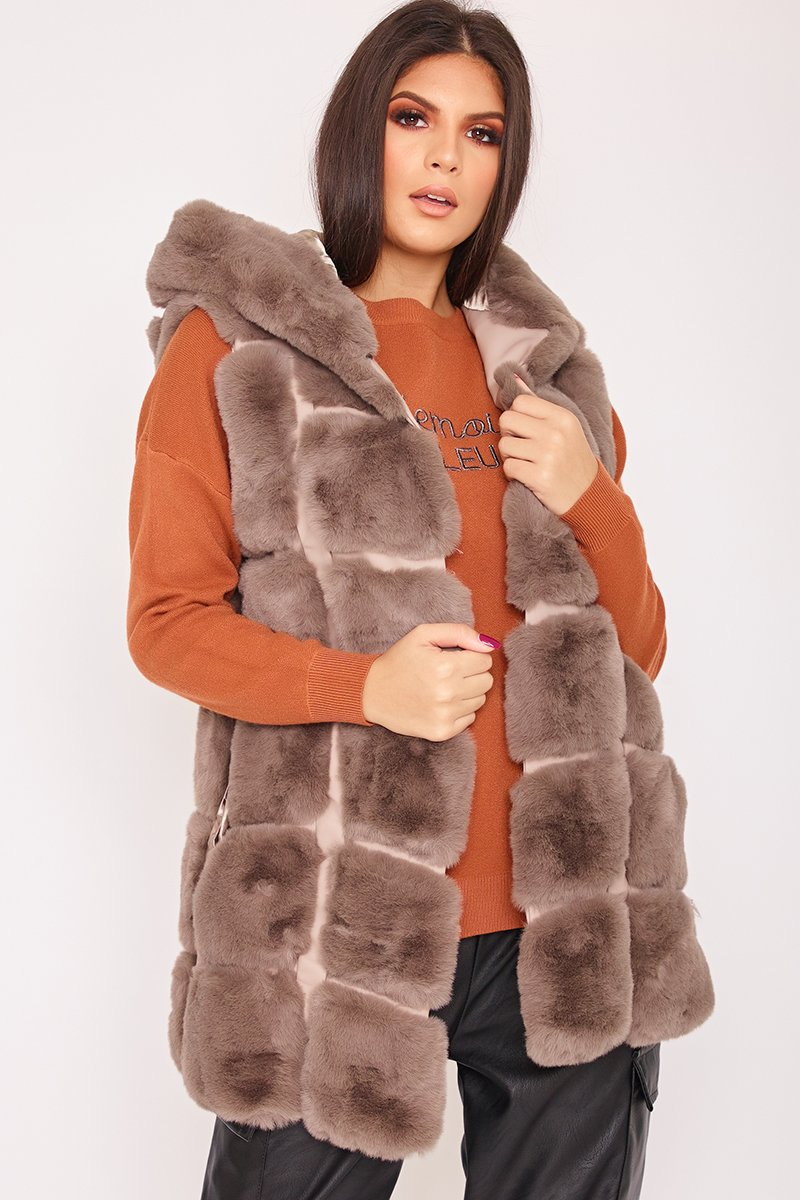 Faye Mocha Thick Faux Fur Hooded Gilet-Missrepresent