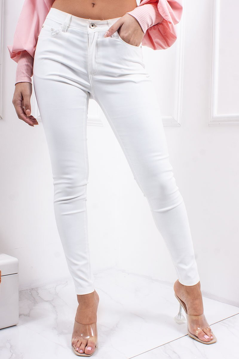 Leigh White Stretch High Waisted Jeans-Missrepresent