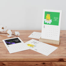 Load image into Gallery viewer, Vertical Desk Calendar デスク カレンダー(アメリカホリデー版)