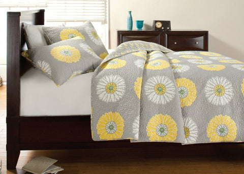 Anya Floral Print Yellow/Grey Quilt Set