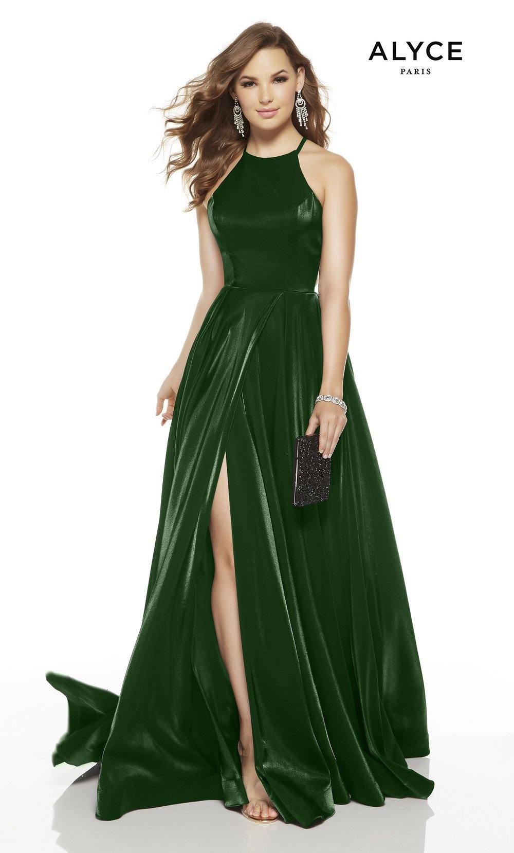 Emerald red-carpet dress with a halter neckline and a slit
