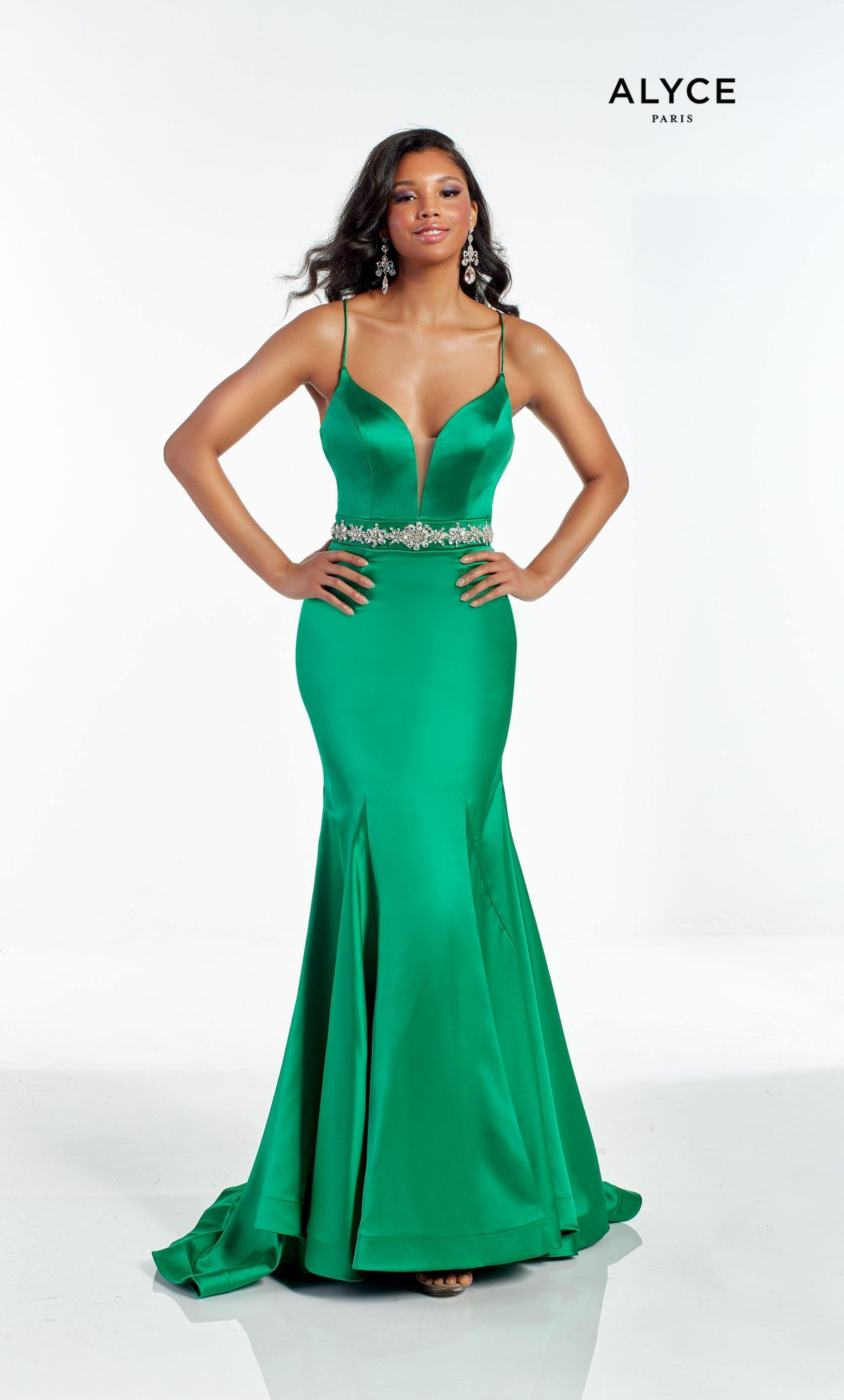 Sexy Emerald Green red carpet dress with a plunging neckline and jeweled waist