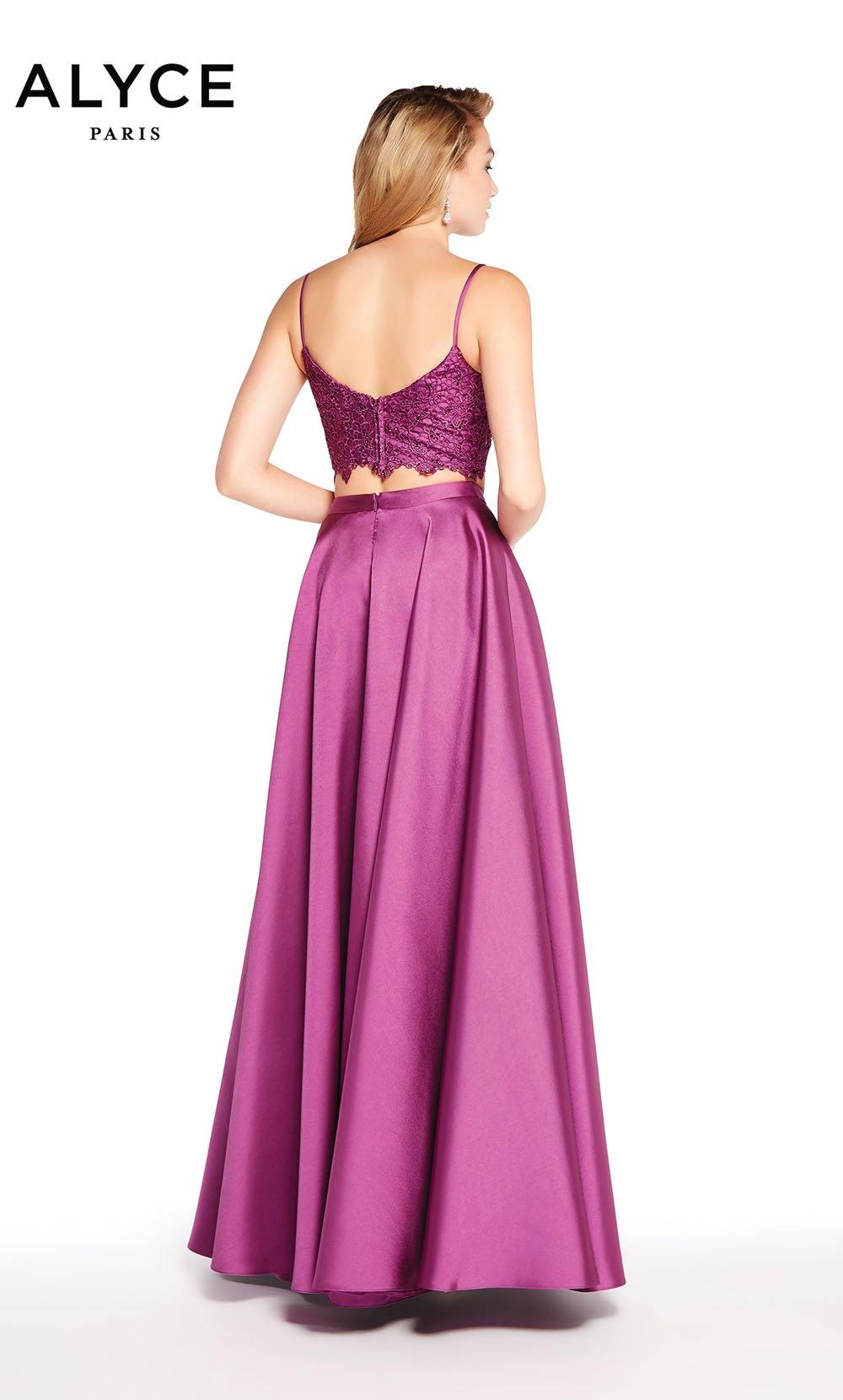 Formal Dress: 60056. Long, Sweetheart Neckline, Medium Fullness