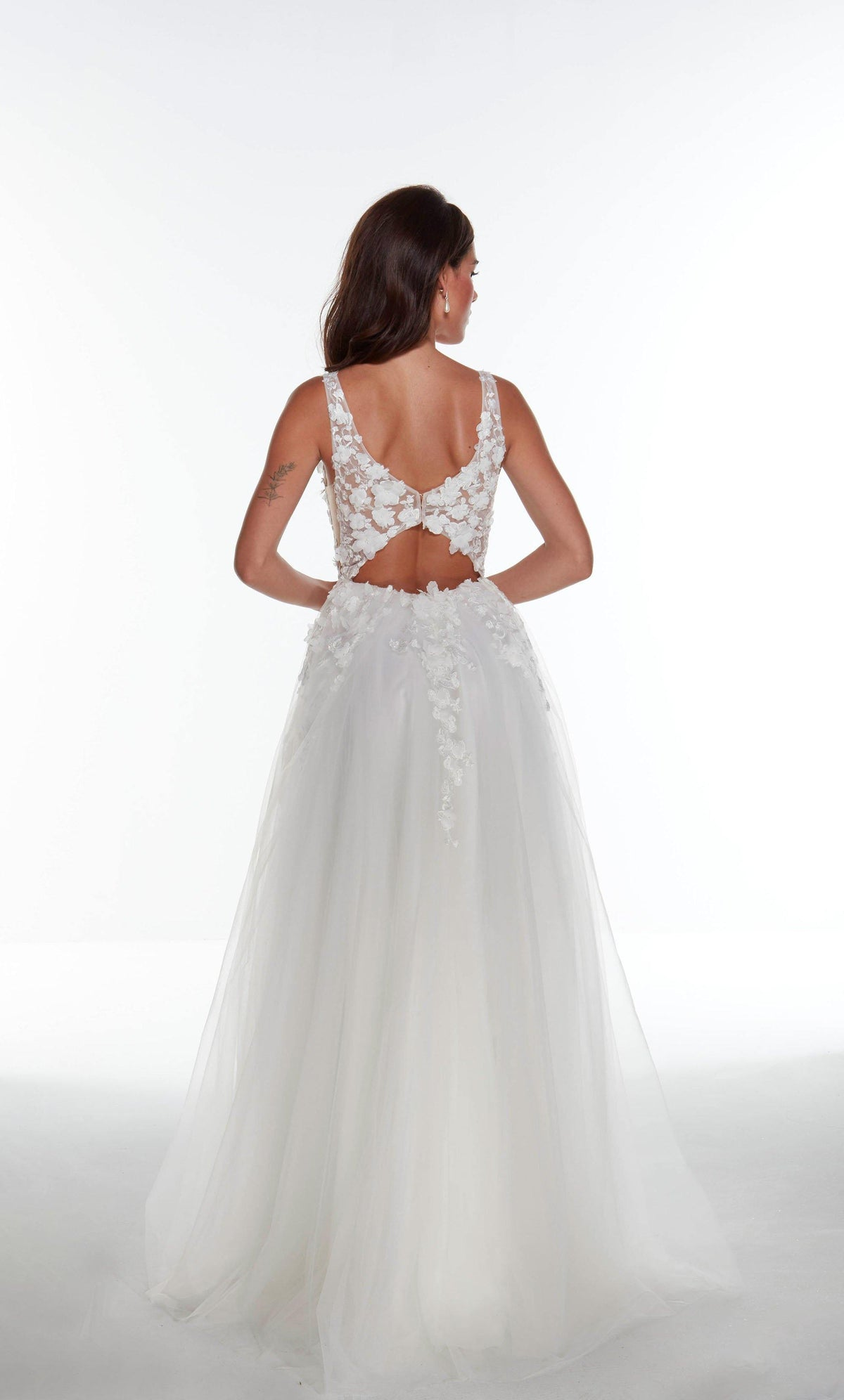 Diamond White wedding dress with a keyhole back style, 3D floral embroidery, and train