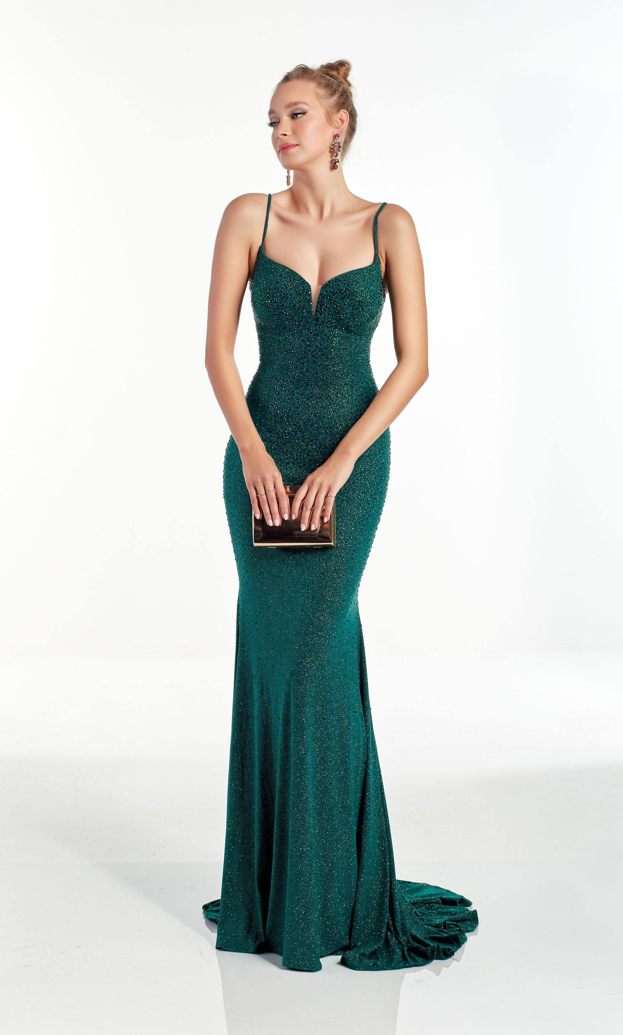 Emerald Green column evening dress with a sweetheart neckline
