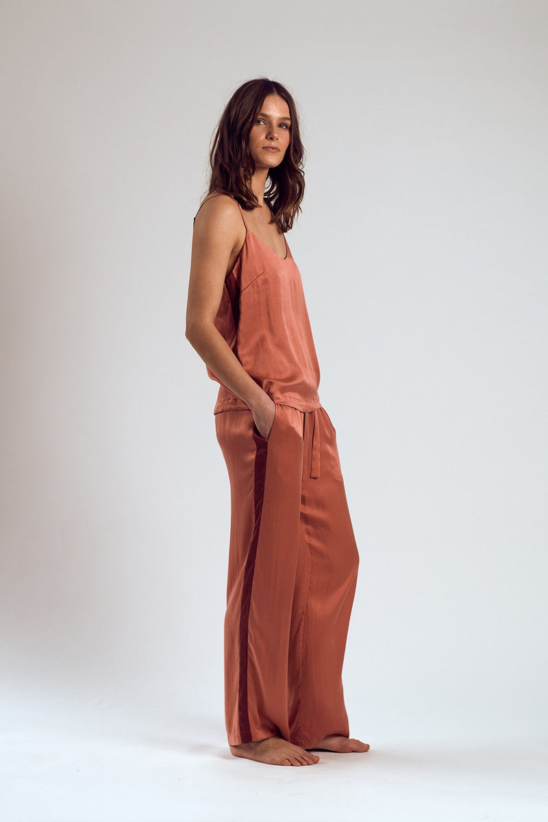THE ROSÉ SILK PANTS - Staying In Au