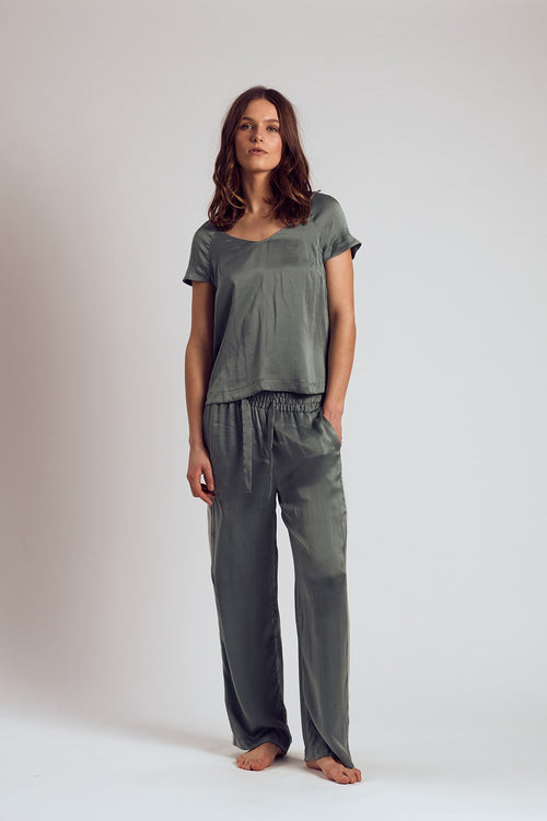 THE ABSIN SILK TOP - Staying In Au
