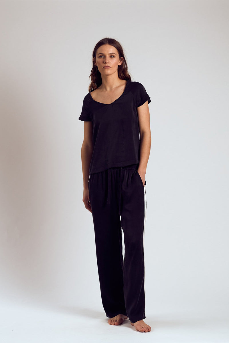 THE BLACK SAMBU SILK TOP - Staying In Au
