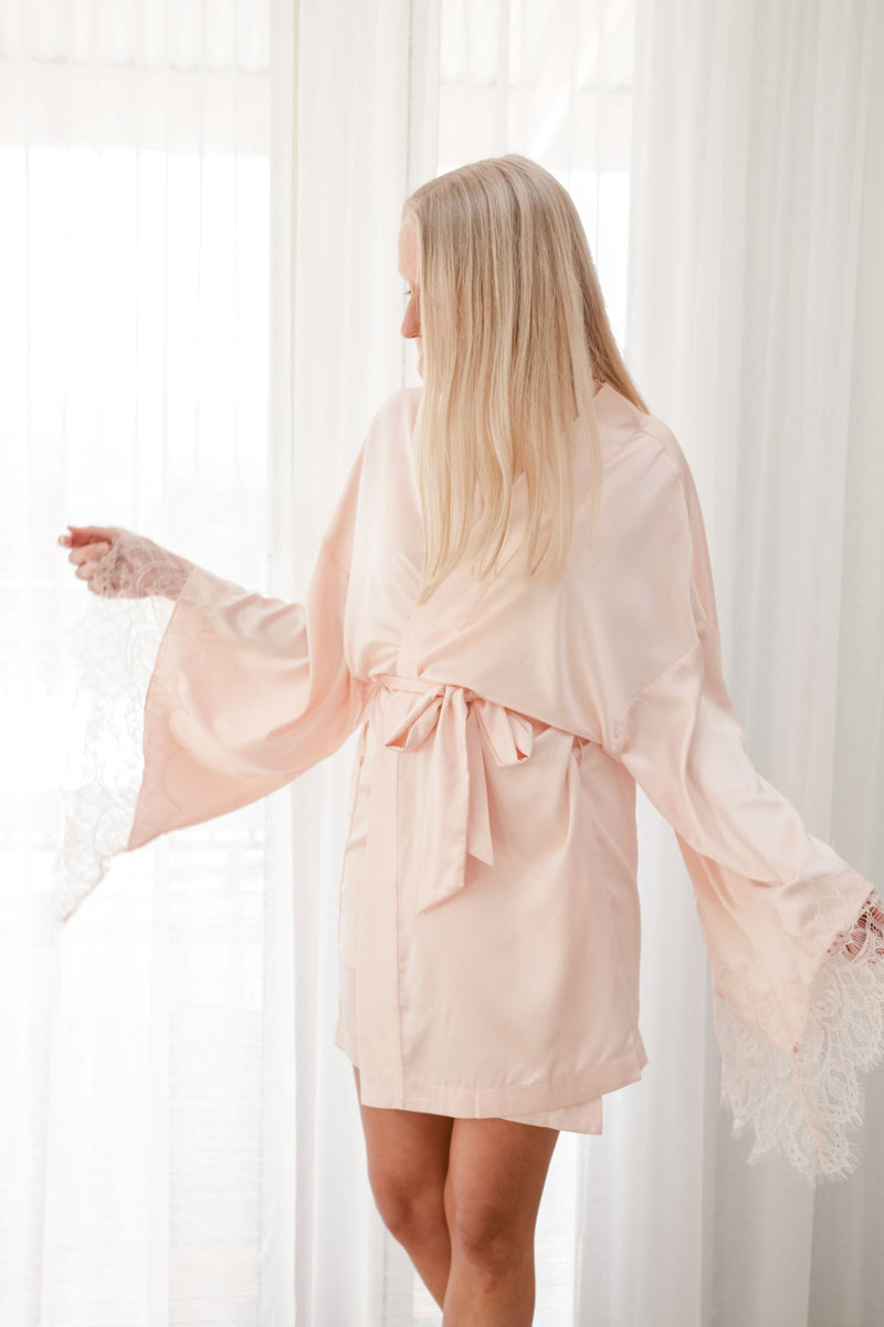 Luxe Personalised Pink Lace Short Robe - Pink Lace Details