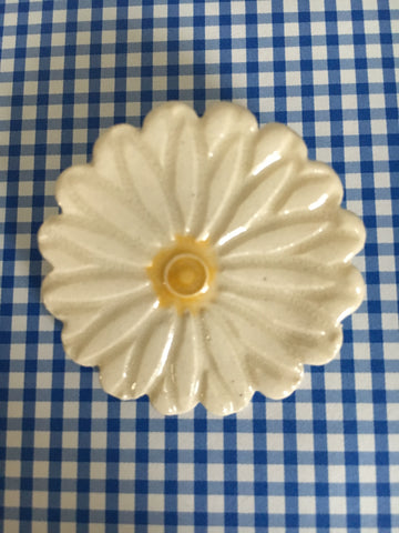 Ceramic Daisy Pin