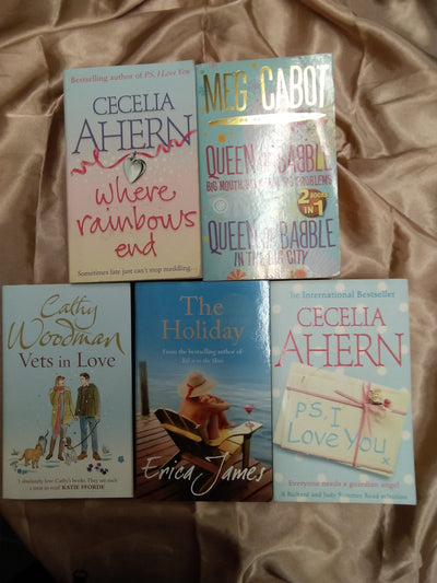 Chicklit Holiday Book Pack - Old Curiosity Bookshop