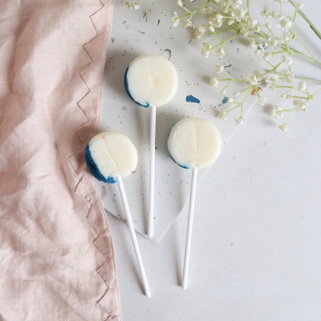 Blueberry Cheesecake Lollipops