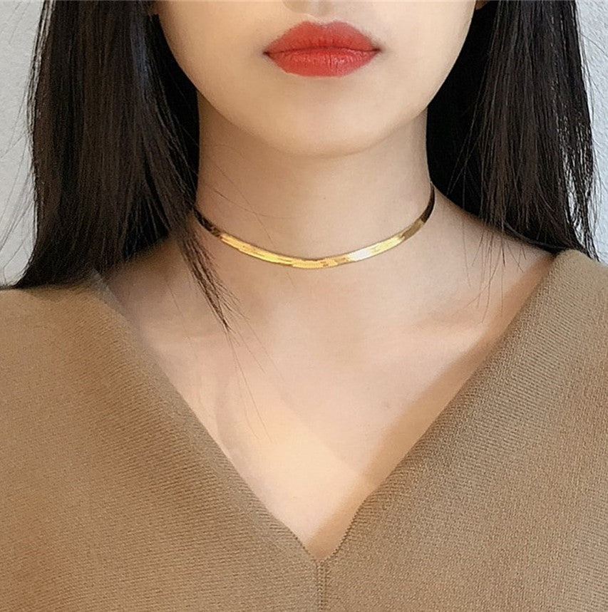 Kento Clavicle Necklace