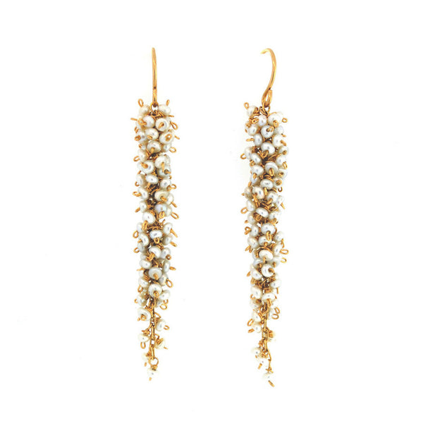 Pinot Gris Earrings in Pearl