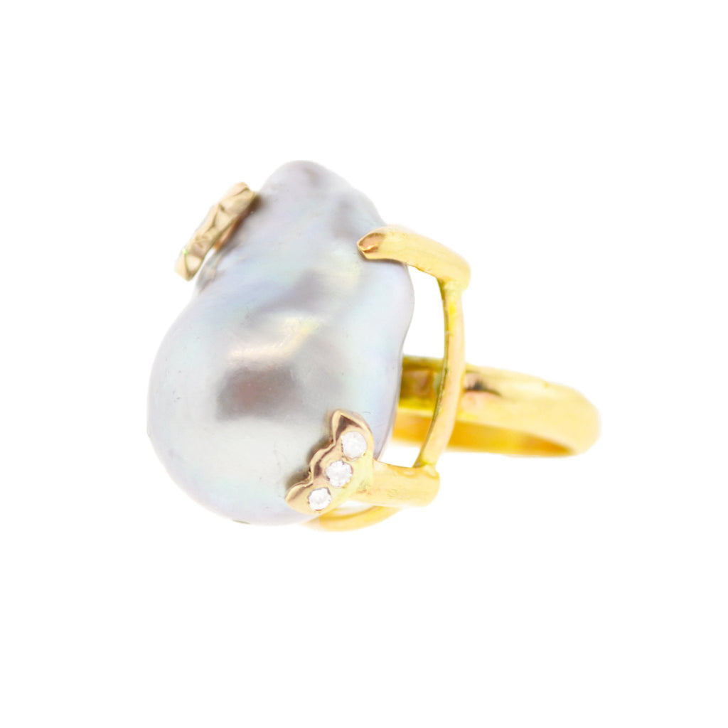 Whale Tail Pearl Ring