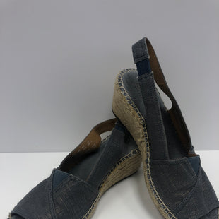 Primary Photo - BRAND: CLARKS STYLE: SANDALS LOW COLOR: DENIM SIZE: 7 SKU: 198-19888-31448