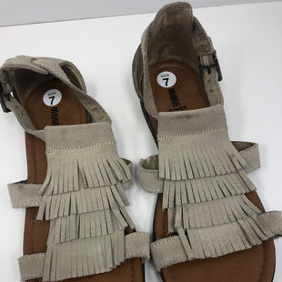Primary Photo - BRAND: MINNETONKA STYLE: SANDALS FLAT COLOR: BEIGE SIZE: 7 SKU: 198-19888-33302