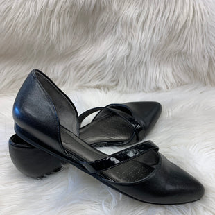 Primary Photo - BRAND: LIFE STRIDE STYLE: SHOES FLATS COLOR: BLACKSIZE: 8 SKU: 198-19888-22874