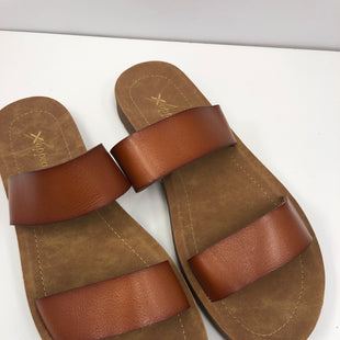 Primary Photo - BRAND: XAPPEAL STYLE: SANDALS FLAT COLOR: BROWN SIZE: 9 OTHER INFO: NEW! SKU: 198-19888-33326