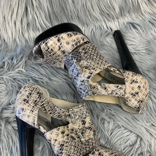 Primary Photo - BRAND: MICHAEL BY MICHAEL KORS STYLE: SANDALS HIGH COLOR: SNAKESKIN PRINT SIZE: 7 SKU: 198-19888-25628
