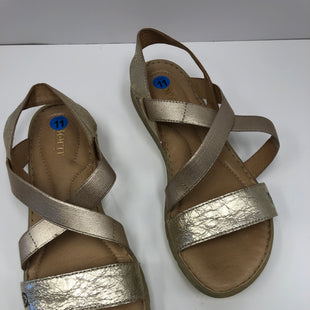 Primary Photo - BRAND: BORN STYLE: SANDALS FLAT COLOR: GOLD SIZE: 11 SKU: 198-19812-16761