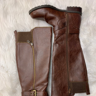 Primary Photo - BRAND: GUESS STYLE: BOOTS KNEE COLOR: BROWN SIZE: 7.5 SKU: 198-19888-24895