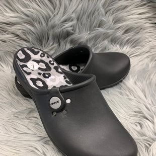 Primary Photo - BRAND: CROCS STYLE: SHOES FLATS COLOR: BLACK SIZE: 7 SKU: 198-19812-10124