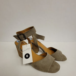 Primary Photo - BRAND: UNIVERSAL THREAD STYLE: SANDALS LOW COLOR: GREY SIZE: 6 OTHER INFO: NEW! SKU: 198-19888-30369