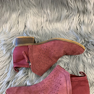 Primary Photo - BRAND: TOMS STYLE: BOOTS ANKLE COLOR: BURGUNDY SIZE: 7 SKU: 198-19812-11495