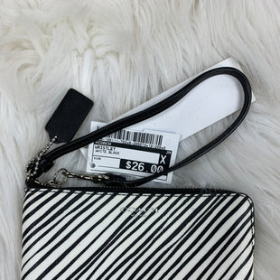 Primary Photo - BRAND: COACH STYLE: WRISTLET COLOR: WHITE BLACK SKU: 198-198111-702