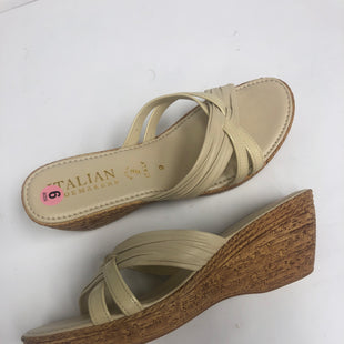 Primary Photo - BRAND: ITALIAN SHOEMAKERS STYLE: SANDALS LOW COLOR: BEIGE SIZE: 9 SKU: 198-19888-30442